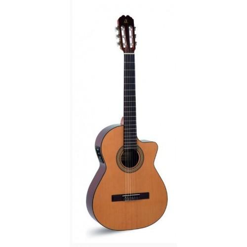 Admira Juanita-ECF электроакустическая классическая гитара